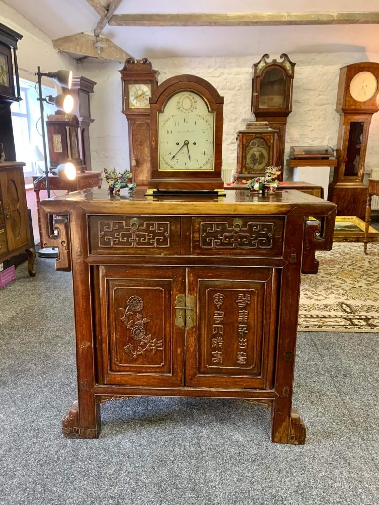 Rare, unique period tables to display your clock on